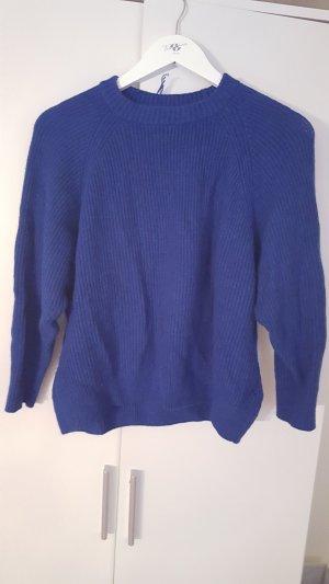 Blauer  Gestrickter Pullover