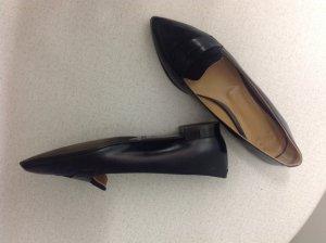 Blauer klassischer Schuh