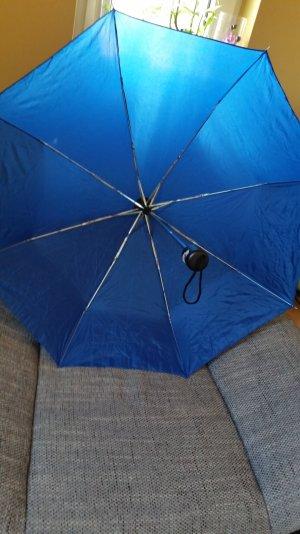 Blauer Knirps Schirm