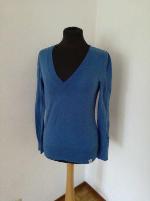 Blauer Pullover, Pulli