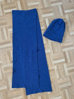 Sciarpa lavorata a maglia blu