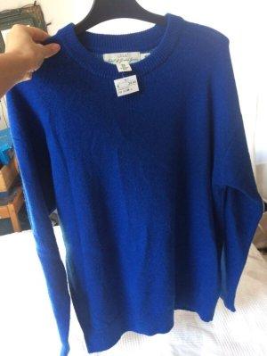 Blauer Wollpullover