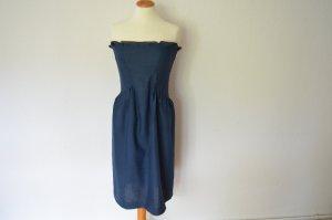 blaues Bandeau Kleid mit eingearbeiteten Corsage Stäbchen