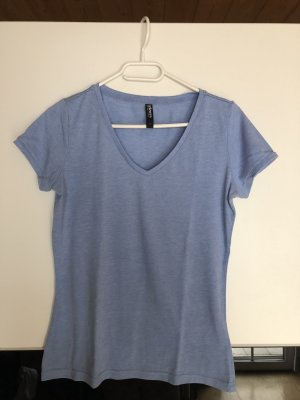 Blaues Basicshirt