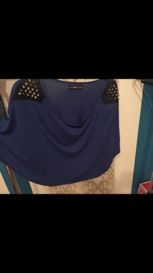 Blaues bauchfreies T-Shirt