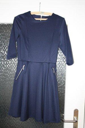 Blaues elegantes Langarmkleid von Bodyflirt