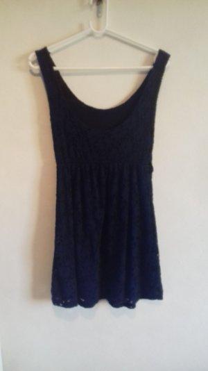 Blaues gemustertes Kleid