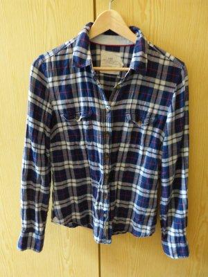 blaues Holzfällerhemd