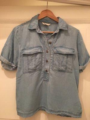 Blaues Jeans-Hemd im Hippie-Look von H&M