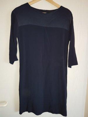 blaues Kleid (Hallhuber)