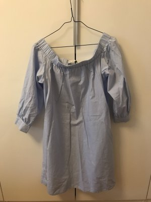 Blaues Kleid mit Carmen Ausschnitt