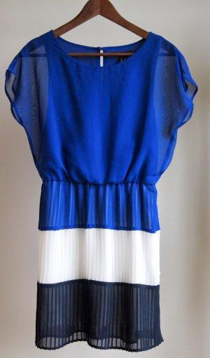 Blaues Kleid mit Plisseerock / Faltenrock und Blockstreifen