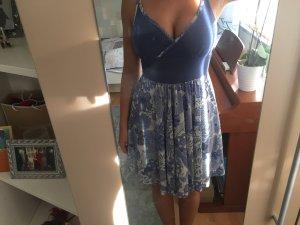 Blaues Kleid von Desigual mit Blumenmuster