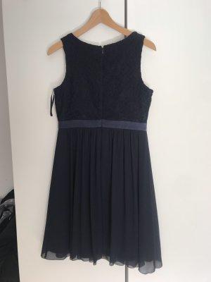 Blaues Kleid von Marie Lund