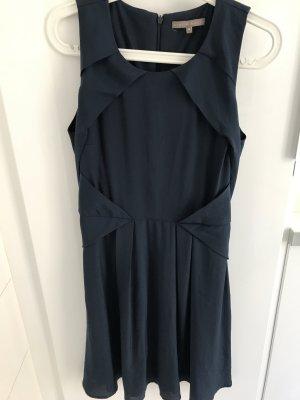 Blaues Kleid von Mint&Berry