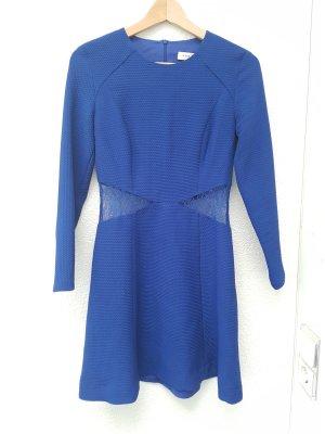 Blaues Kleid von Sandro mit Spitze