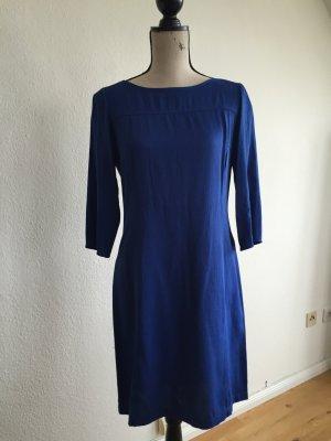 Blaues Kleid von Stradivarius in Gr. M