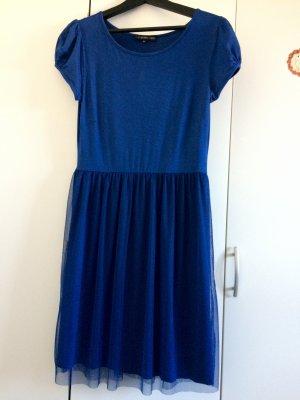 Blaues knielanges Kleid mit Tüll