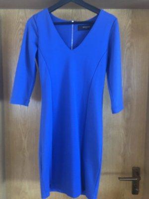 Blaues knielanges Kleid von Reserved