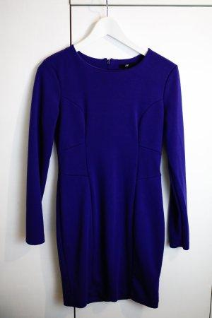 Blaues Langarm Kleid