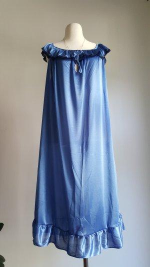 Blaues Nachtkleidchen