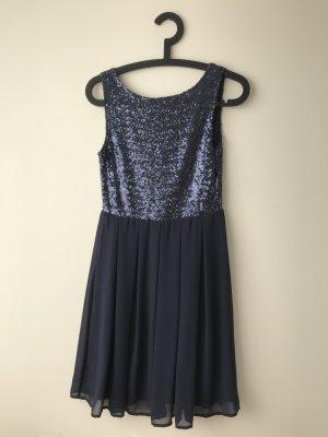 blaues Paillettenkleid für besondere Anlässe