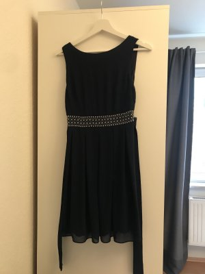 blaues schönes kurzes Kleid