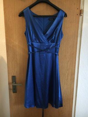Blaues Seidenkleid von Laura Scott