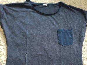 blaues Shirt mit Samttasche