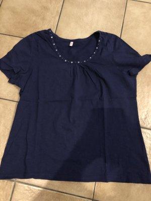 blaues Shirt mit Sternen am Ausschnitt von Sheego - Gr. 44/46