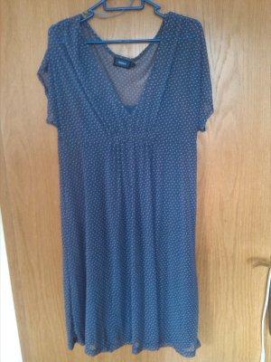 Blaues Sommerkleid mit weißen Punkten von Mexx