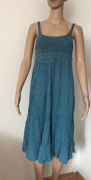 blaues Sommerkleidchen