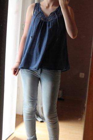 blaues, spitzen Top