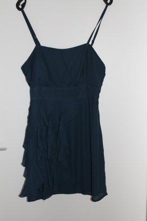 blaues verspieltes Sommerkleid