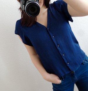 Blaugepunktete Bluse