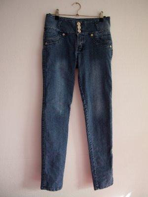 Blaugraue Jeans mit silbernen Knöpfen von Ana Paula