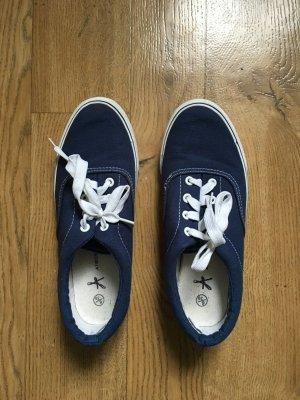 Blaune sneaker im vans Style