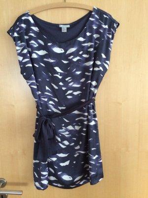 Blauweißes Kurzes Kleid