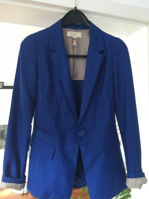 Blazer Bershka in Royal blau fällt etwas kleiner aus