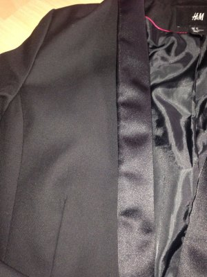Blazer in schwarz mit tollem Glanz Kragen !
