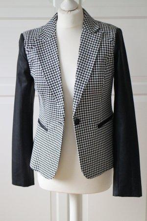Blazer in schwarz/ weiß mit Lederbesätzen