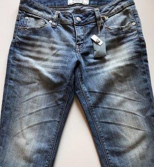 Bleifrei 3/4 Length Trousers azure-pale blue