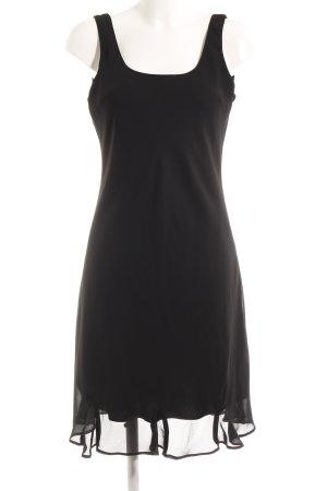 Falda estilo lápiz negro elegante
