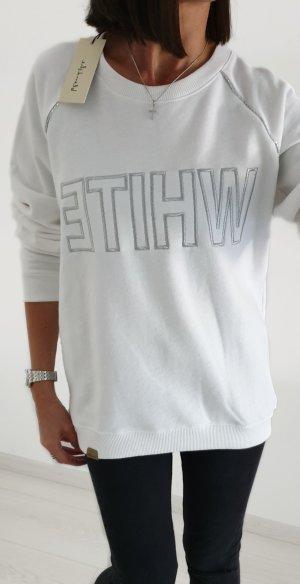 BlendShe Sweater weiß mit silbernen Buchstaben