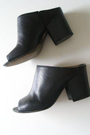 Blockabsatz Mules aus Leder