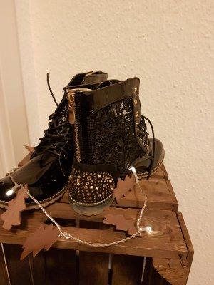 Blogger Boots mit Spitze und Nieten