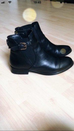 Buffalo London Chelsea Boots black