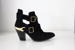 Blogger Cut Out Boots