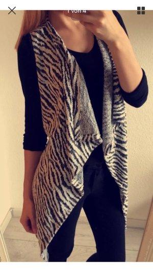 Blogger Weste schwarz weiß Zebra 36 38 40 S M Zara
