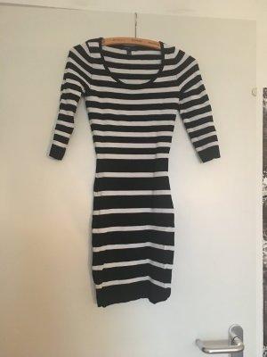 #bloggerstyle Schickes tailliertes Kleid von Mango, XS, schwarz-weiß gestreift